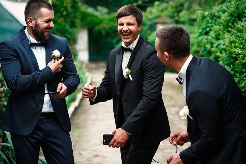 groom and his best men joking before the wedding